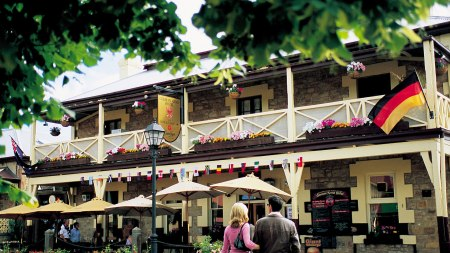 explore-cities-adelaide-hahndorf
